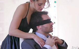 Blindfolded unintended dude is astonished with a sensual double blowjob