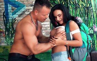 Sexy sweetheart Lana Roy has fun with a hostel gardener
