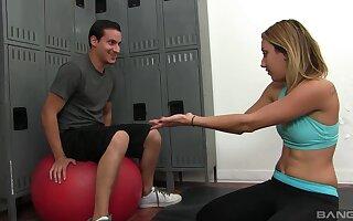 Seductive teen gets say no to dose down at the lockers
