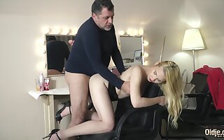 Facial Cum For Blue Teen Getting Fucked By Grandpa On tap The Sitting-room