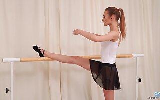 Kinky dancer Olivia Westsun drops her dress added to masturabtes