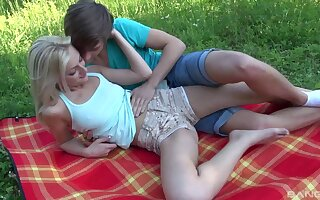 Nice outdoors fucking at near picnic with amazing blonde Katy Rose