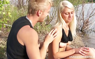 Lifelike outdoors fucking between a sexy girl and the brush fixture