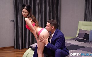 Cute girlfriend in controls Kastiel Cherry gives her head and gets fucked